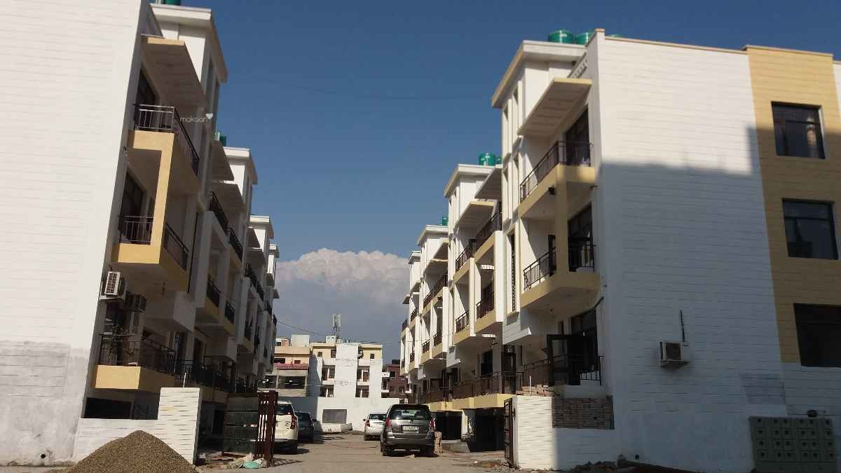 1550 sq ft 3BHK 3BHK+3T (1,550 sq ft) + Servant Room Property By At Realtors In Project, Peermachhala