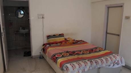 600 sqft, 1 bhk Apartment in Builder SHIVANJALI APPT Khar, Mumbai at Rs. 48000