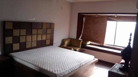 2650 sqft, 4 bhk Apartment in Reputed Glamour Heights Khar, Mumbai at Rs. 4.0000 Lacs
