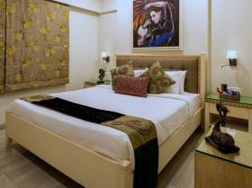 2,100 sq ft 3 BHK + 3T Apartment in Builder hill road near elco
