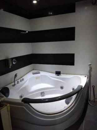 1150 sqft, 3 bhk Apartment in Builder On request Juhu, Mumbai at Rs. 1.2500 Lacs