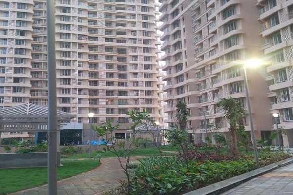 2200 sqft, 4 bhk Apartment in Dosti Imperia Thane West, Mumbai at Rs. 65000