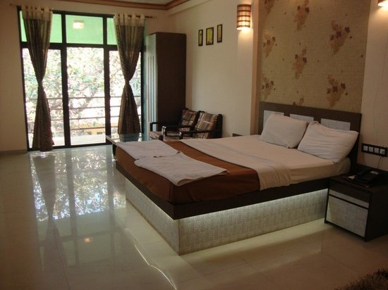 1250 sqft, 3 bhk Apartment in Ecohomes Park Andheri East, Mumbai at Rs. 60000