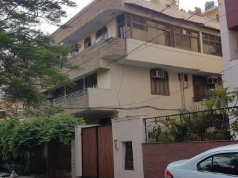 2000 sqft, 3 bhk BuilderFloor in Builder Project Kirti Nagar, Delhi at Rs. 40000