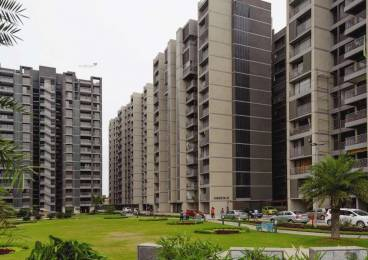 690 sqft, 1 bhk Apartment in Builder Apollo db city Nipania, Indore at Rs. 14000