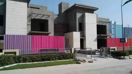 11000 sqft, 5 bhk Villa in Unitech The Villas Sector 33, Gurgaon at Rs. 10.0000 Cr