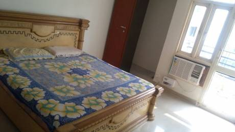 1685 sqft, 3 bhk Apartment in Builder Bulland Heights Crossing Republik, Ghaziabad at Rs. 12000