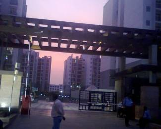 1940 sqft, 3 bhk Apartment in Omaxe Grand Sector 93B, Noida at Rs. 28000