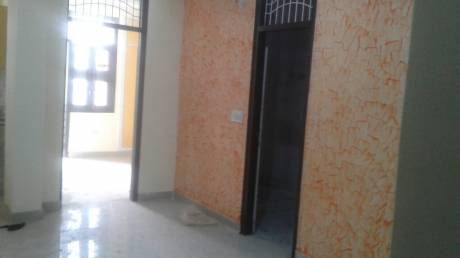 585 sqft, 2 bhk BuilderFloor in Builder Project Chikamberpur Village, Delhi at Rs. 10000
