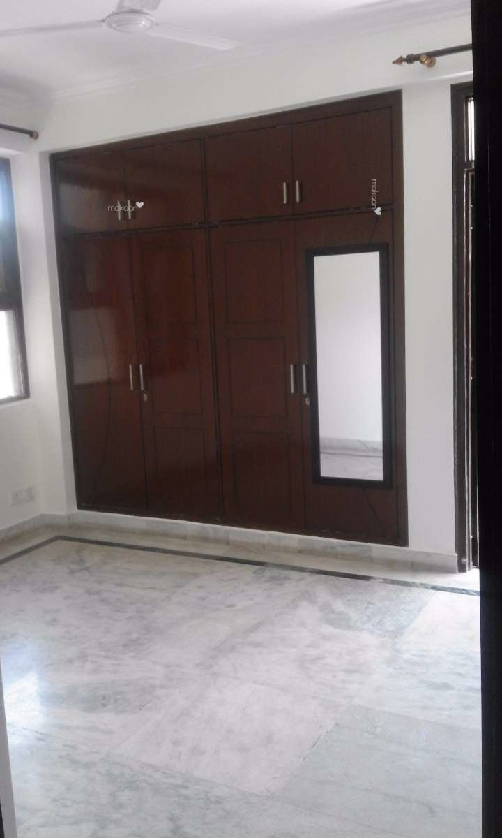 1500 sq ft 3BHK 3BHK+2T (1,500 sq ft) + Store Room Property By sinha real estate In Guru Apartments, Sector 6 Dwarka