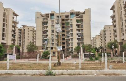 1765 sqft, 3 bhk Apartment in Purvanchal Silver City 2 PI, Greater Noida at Rs. 86.0000 Lacs
