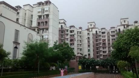 2150 sqft, 4 bhk Apartment in Purvanchal Silver City 2 PI, Greater Noida at Rs. 25000