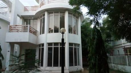 2700 sqft, 4 bhk Villa in Shree Balaji Villa Chandkheda, Ahmedabad at Rs. 24000