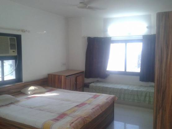 2000 sqft, 3 bhk Apartment in Sheladia Pushpraj Apartments Bodakdev, Ahmedabad at Rs. 27000