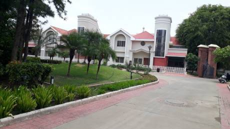 2000 sqft, 4 bhk Villa in Builder Gold Villa Akriti Eco city Arera Colony E8, Bhopal at Rs. 25000