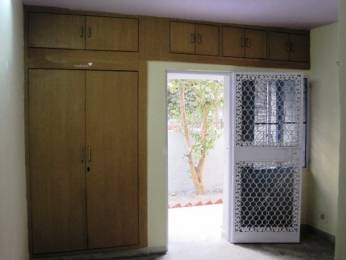 900 sqft, 1 bhk Apartment in Builder Project mayur vihar phase 1, Delhi at Rs. 18500