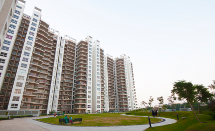 2000 sqft, 3 bhk Apartment in Spaze Privy Sector 72, Gurgaon at Rs. 32000