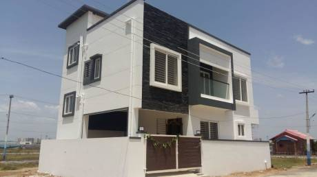 3500 sqft, 3 bhk IndependentHouse in Builder Project Uthandi, Chennai at Rs. 40000
