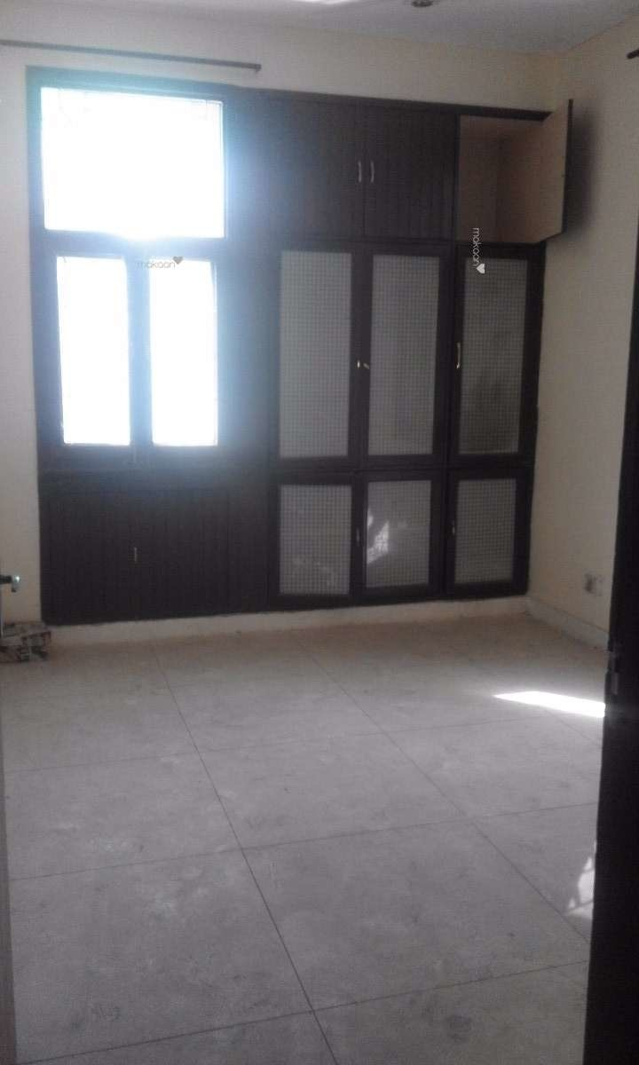 1800 sq ft 3BHK 3BHK+3T (1,800 sq ft) + Store Room Property By sinha real estate In swami dayanand apartment, Sector 6 Dwarka
