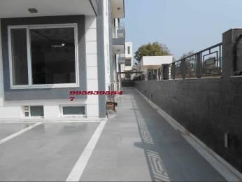 5300 sqft, 12 bhk Villa in DLF Magnolias Sector 42, Gurgaon at Rs. 2.5000 Lacs