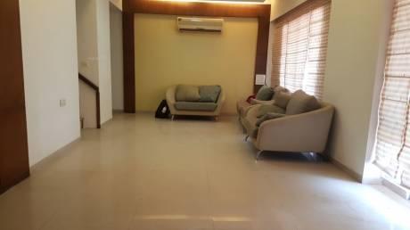 3900 sqft, 4 bhk Apartment in Builder Project Alkapuri, Vadodara at Rs. 60000