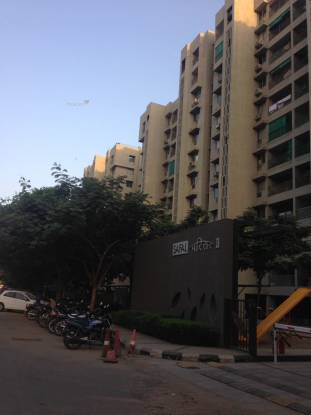 1620 sqft, 3 bhk Apartment in Safal Parisar II Bopal, Ahmedabad at Rs. 20000