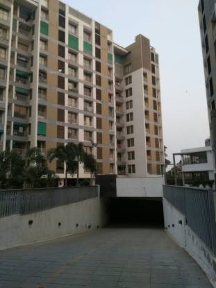 1600 sqft, 3 bhk Apartment in Builder shalin otium Prahlad Nagar, Ahmedabad at Rs. 25000