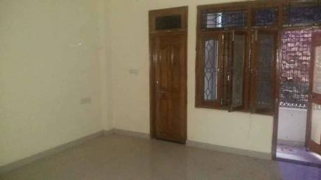 1200 sqft, 3 bhk IndependentHouse in Builder Project Maqbool Alam Road, Varanasi at Rs. 12000