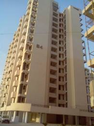 1025 sqft, 2 bhk Apartment in SRS Royal Hills Sector 87, Faridabad at Rs. 11000