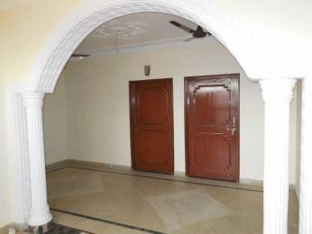 1300 sqft, 2 bhk Apartment in Builder Project Sector 31, Noida at Rs. 16000