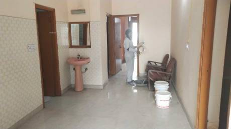 2153 sqft, 2 bhk Apartment in Builder Project Sector 31, Noida at Rs. 19000