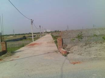 900 sqft, Plot in Builder police station surajpur Surajpur, Greater Noida at Rs. 20.0000 Lacs