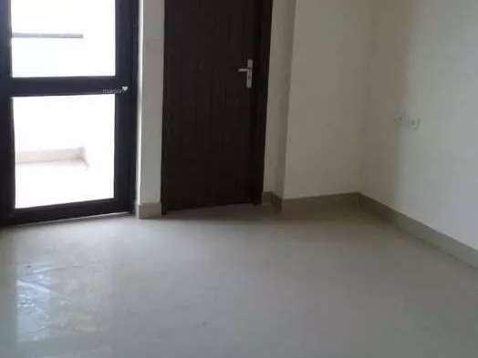 1350 sqft, 3 bhk BuilderFloor in Builder Ramprastha Greens Vaishali, Ghaziabad at Rs. 17000