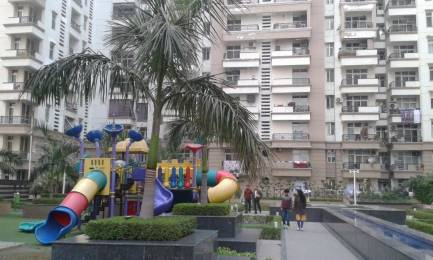 2200 sqft, 4 bhk Apartment in Ramprastha Pearl Court Sector 7 Vaishali, Ghaziabad at Rs. 25000