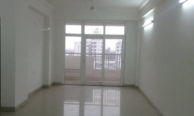 1970 sqft, 3 bhk Apartment in Ramprastha Platinum Premier Sector 7 Vaishali, Ghaziabad at Rs. 23000