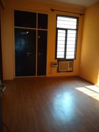900 sqft, 2 bhk BuilderFloor in Soho Awas Apartments gyan khand 1, Ghaziabad at Rs. 11000