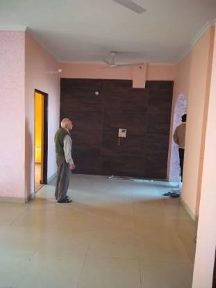 900 sqft, 2 bhk BuilderFloor in Soho Awas Apartments gyan khand 1, Ghaziabad at Rs. 11000