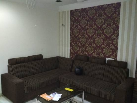 1000 sqft, 3 bhk Apartment in Builder Project Charni Road, Mumbai at Rs. 75000