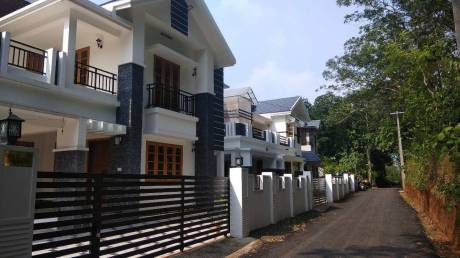 2400 sqft, 3 bhk Villa in Builder Valiaparambil Properties Pukkattupady, Kochi at Rs. 80.0000 Lacs