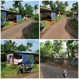1000 sqft, 2 bhk IndependentHouse in Builder Project Kakkanad, Kochi at Rs. 45.0000 Lacs