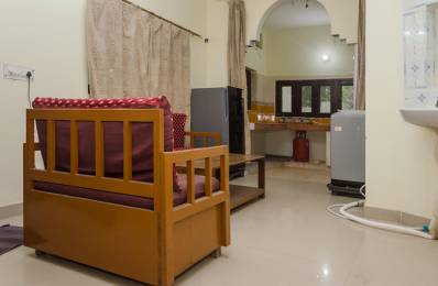 600 sqft, 1 bhk Apartment in Builder Project Gamma I, Greater Noida at Rs. 10000