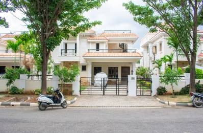 3800 sqft, 4 bhk IndependentHouse in Builder Project Hafeezpet Road, Hyderabad at Rs. 55000
