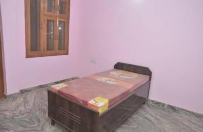 500 sqft, 1 bhk IndependentHouse in Builder Project KG 1 Road, Delhi at Rs. 16000