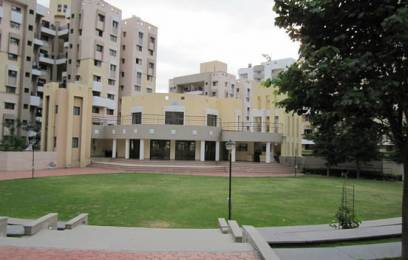 1050 sqft, 2 bhk Apartment in Builder Project Magarpatta, Pune at Rs. 25000