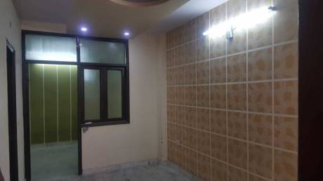 550 sqft, 2 bhk BuilderFloor in Builder Project laxmi nagar, Delhi at Rs. 13500