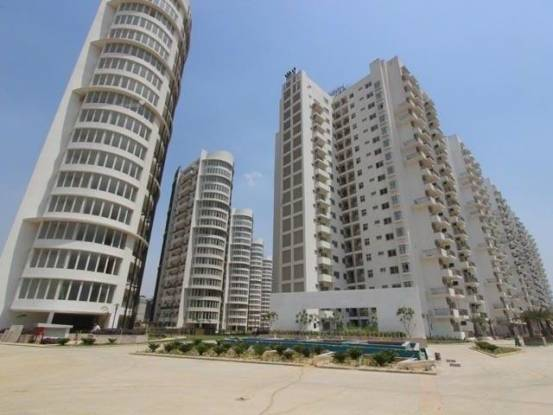 3700 sqft, 4 bhk Apartment in Emaar Palm Drive Sector 66, Gurgaon at Rs. 60000