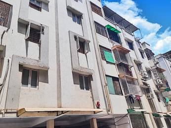 918 sqft, 2 bhk Apartment in Builder Project Thaltej, Ahmedabad at Rs. 35.0000 Lacs