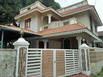2200 sqft, 4 bhk IndependentHouse in Builder Project Kakkanad Road, Kochi at Rs. 25000