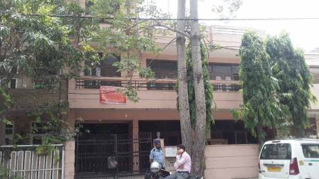 2700 sqft, 4 bhk IndependentHouse in Builder Project Paschim Vihar, Delhi at Rs. 7.7000 Cr