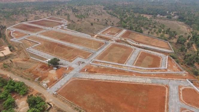 1800 sqft, Plot in Builder manorupa pyramid city Kadthal, Hyderabad at Rs. 5.0000 Lacs